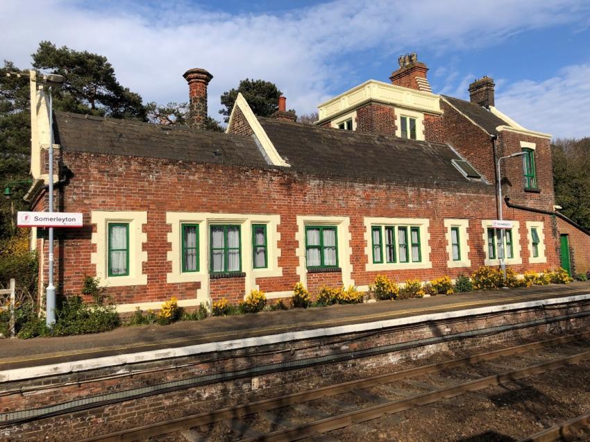 Days out by rail garden tour Somerleyton
