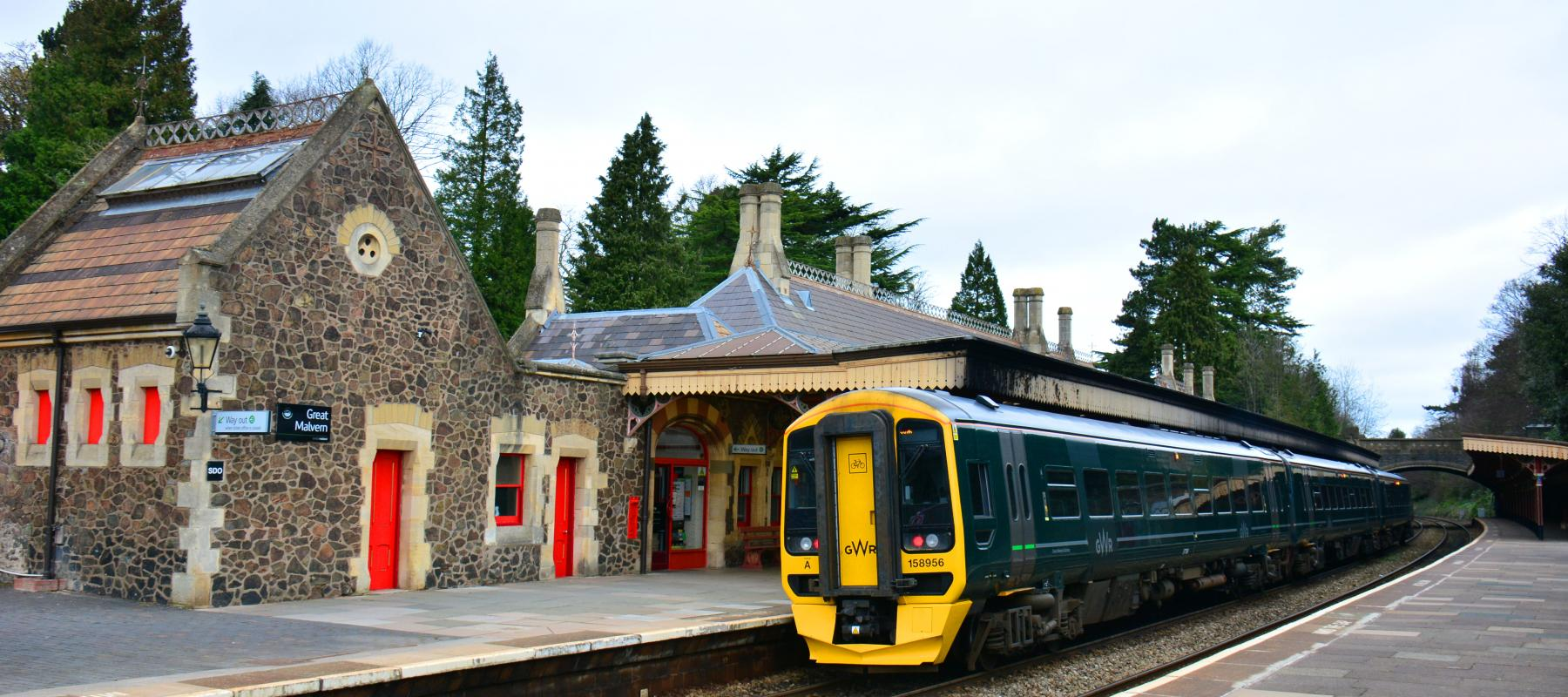 Train stood at Great Malvern Railway Station