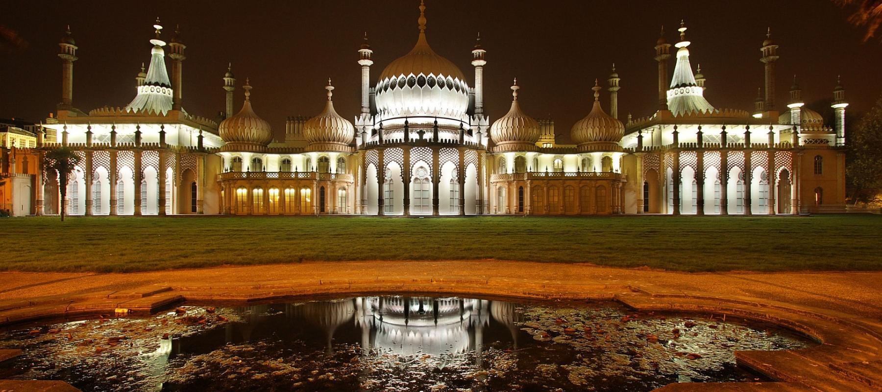 Royal Pavilion Brighton lit up at night. Photo: Roman Grac from Pixabay