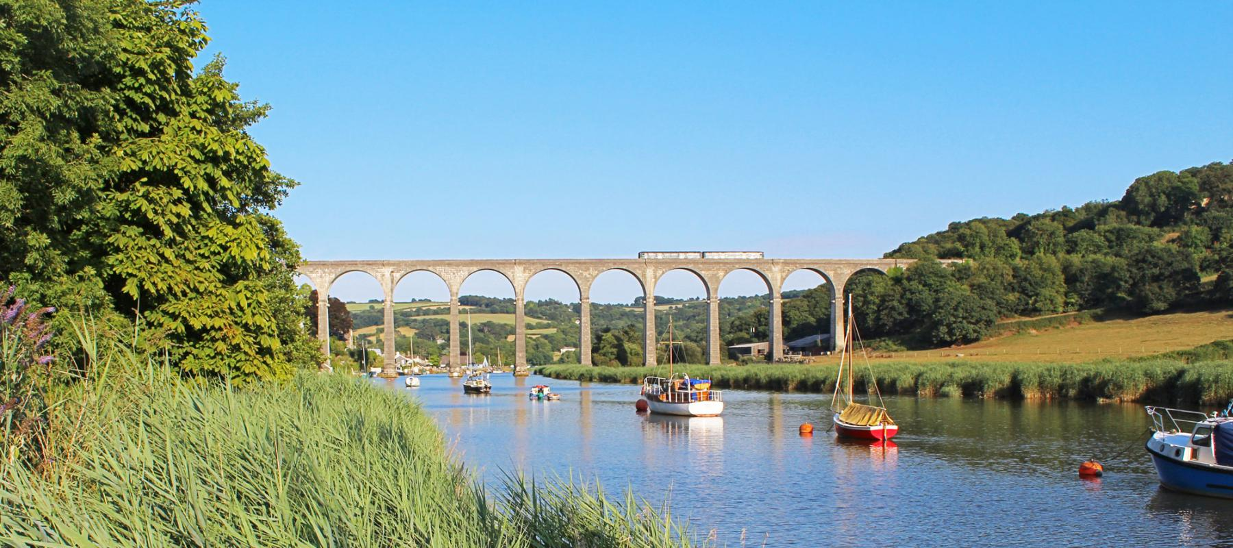 Train on Calstock viaduct on the Tamar Valley Line