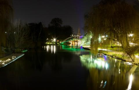 Bedford Embankment at night. Photo: TheOtherKev from Pixabay