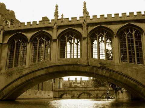 Cambridge Bridge of Sighs. Photo: PublicDomainPictures from Pixabay