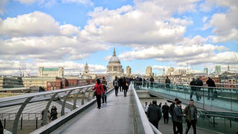 Family days out ideas by train in London, Millenium Bridge & St Pauls