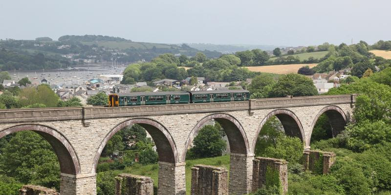 Train on Collegewood Viaduct between Truro and Falmouth