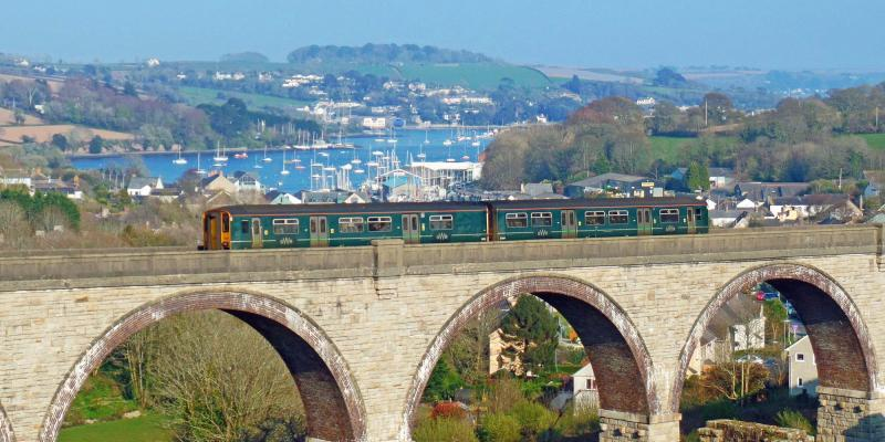 Train on Collegewood Viaduct on the Maritime Line between Truro and Falmouth
